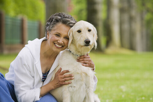 Cão e dona