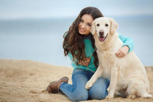 Mulher e cadela