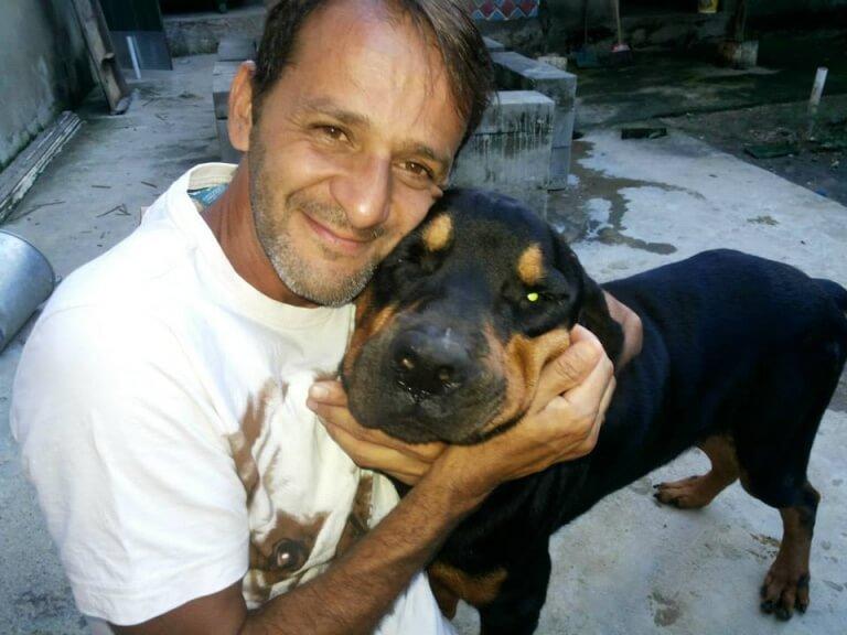 homem e cachorro