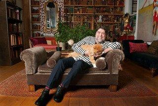 Cantor espanhol Joaquín Sabina e sua paixão pelos gatos