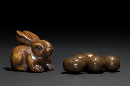 Coelho e ovos de chocolate