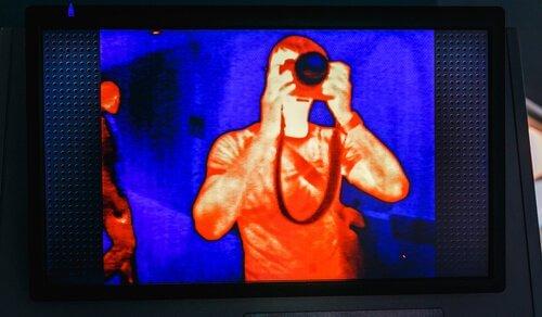 Câmera que detecta o calor no corpo humano