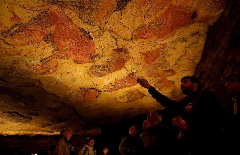Por dentro da caverna de altamira