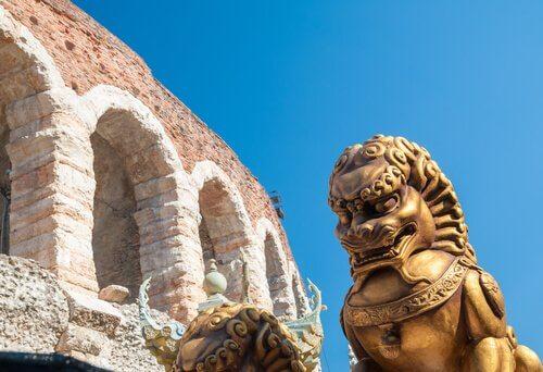 Estátua de leão na Itália
