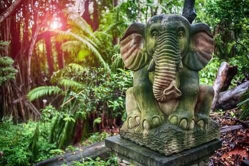 Estátua de elefante